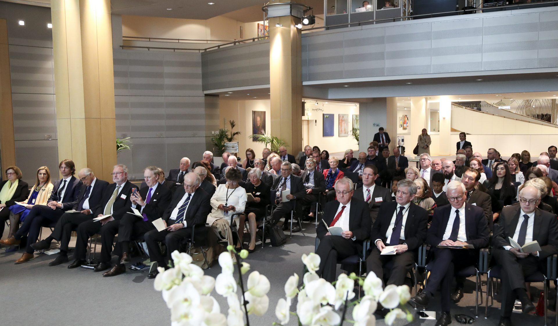 Service commémoratif de 2020 – Reporté