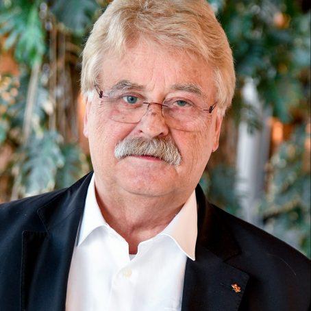 Interview with Elmar BROK